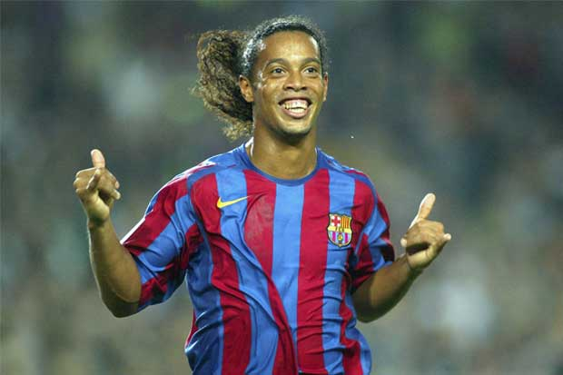 Ronaldinho anuncia su retiro del fútbol profesional