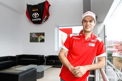 """Milo"" Valverde destaca a pilotos costarricenses como insaciables"