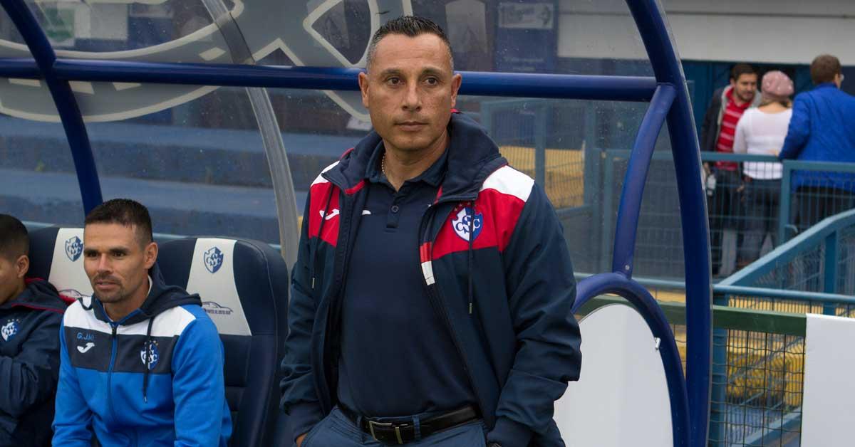 Cartaginés relega a su entrenador a ligas menores y ficha a Néstor Monge