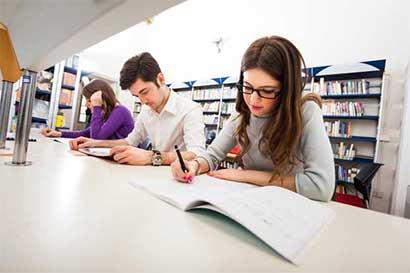 Gracias a beca 80 jóvenes de Pérez Zeledón aprenden inglés
