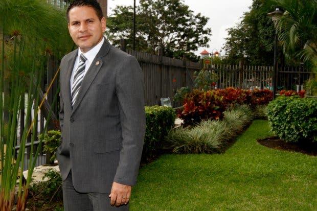 Fabricio Alvarado lidera encuestas y ya fue invitado a debates del 7 y Grupo Extra