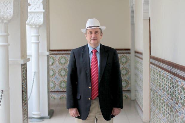 Ottón Solís pide votos para Carlos Alvarado