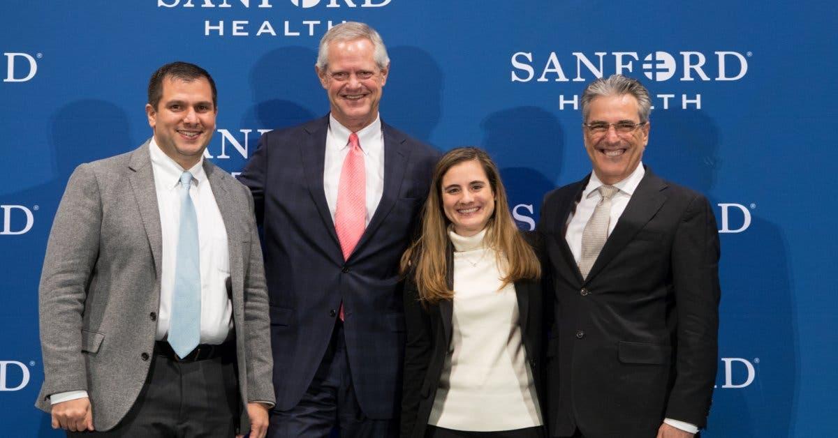 Convenio permitirá a Hospital Metropolitano capacitar a su personal en tecnología