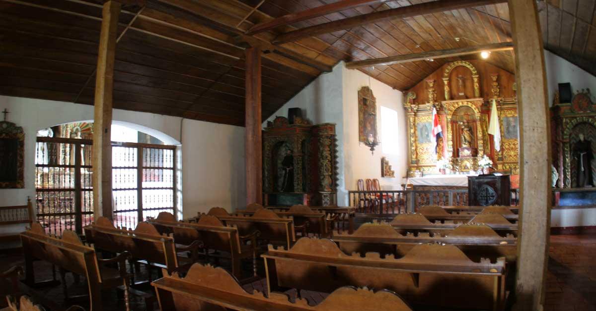 TSE prohíbe a iglesias pedir votos