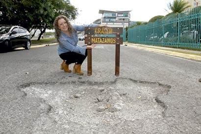 """Iniciativa bautizará y demarcará """"cráteres"""" en carretera"""