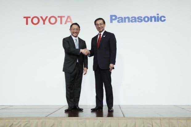 Toyota y Panasonic producirán baterías para autos eléctricos