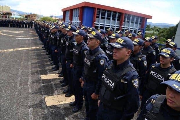 Fuerza Pública habilitó 1.000 plazas para policías