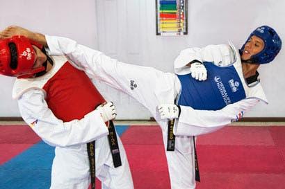 Taekwondistas ticos no desisten en su intento por estar en las Olimpiadas