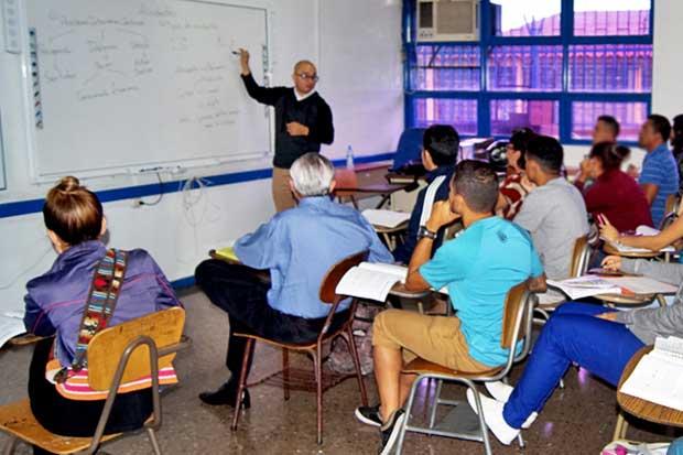 Curso de manejo para iletrados se impartirá en San José todo el año