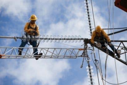 Turistas y vecinos de Jacó tendrán nuevo tendido eléctrico