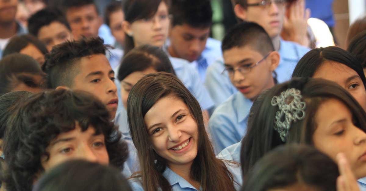 Centros educativos públicos tendrán 11 nuevos programas de estudio