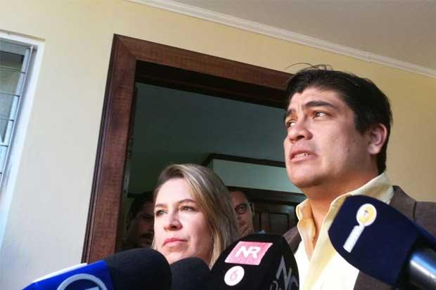 Carlos Alvarado buscará conquistar hoy a indecisos