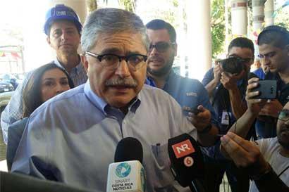 Juan Diego Castro visita Paraíso y Dulce Nombre de Cartago para convencer indecisos