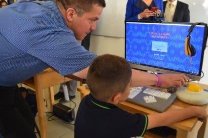 Cartago recibió ₡156 millones en equipamiento para alfabetización digital