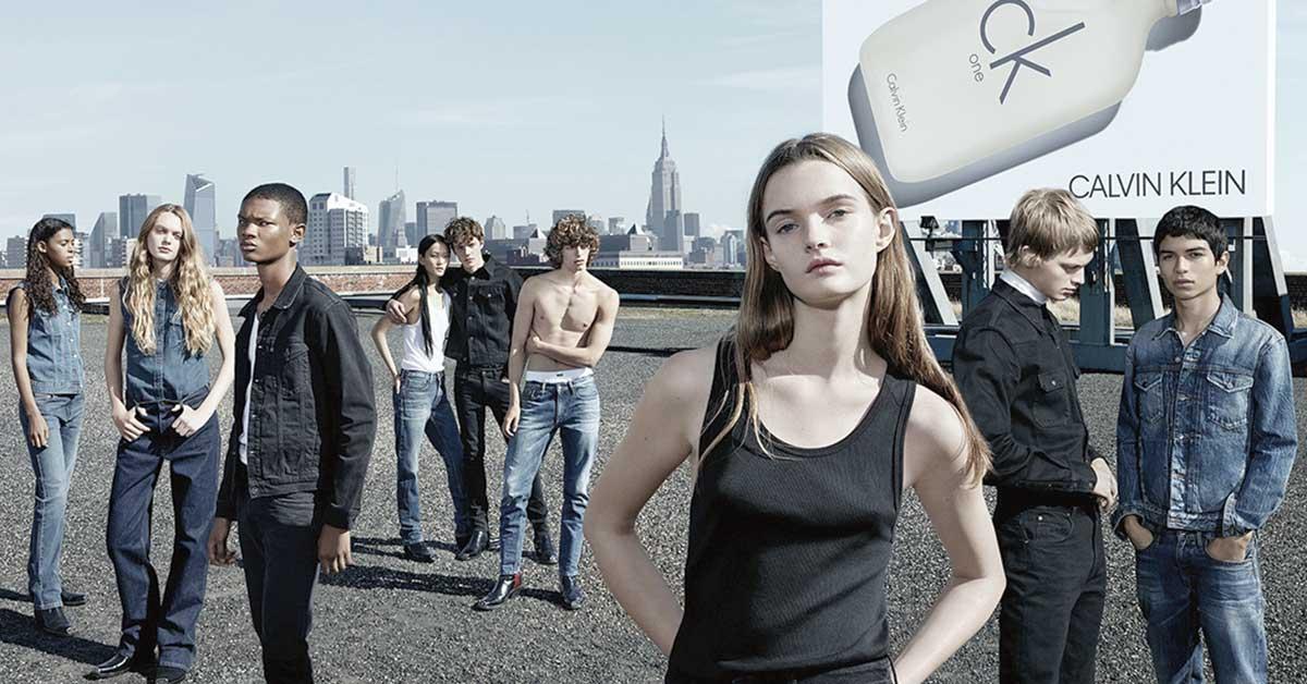 Calvin Klein presenta publicidad para CK ONE