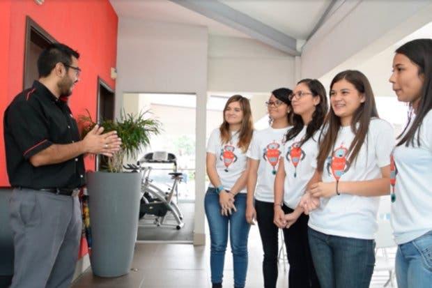 Estudiantes ticas darán discurso en foro en la ONU