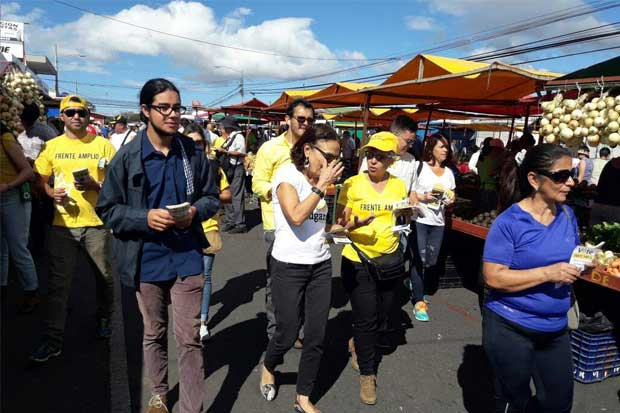 Frente Amplio llama a votar en contra de Restauración Nacional