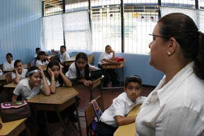 Estudiantes deben asistir a clases aunque padres estén en contra de educación sexual