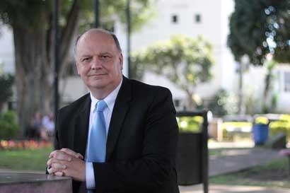 Rodolfo Piza tuvo acercamiento con Carlos Alvarado