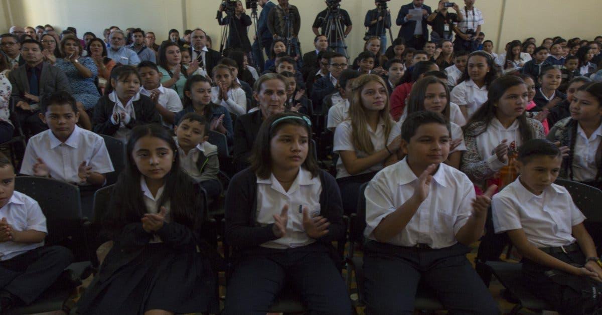 11 escuelas de San Carlos siguen cerradas por oposición a educación sexual