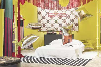 Obra de Warhol viste tienda Calvin Klein