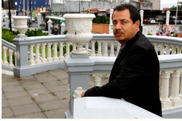 Mario Redondo pide a Presidente Solís abstenerse de hacer giras antes de elecciones