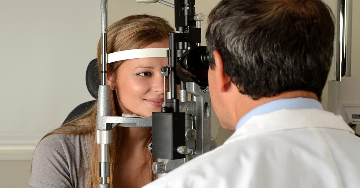 Carrera de optometría de U Latina recibe aval de Sinaes