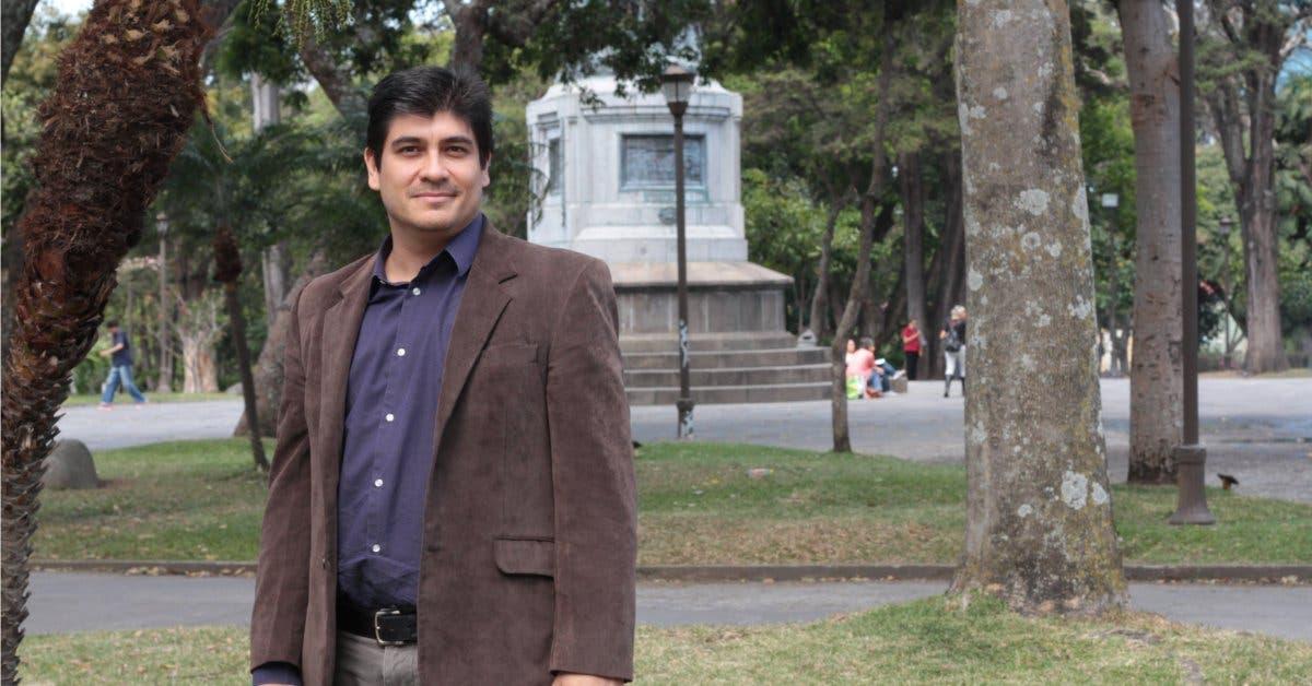 Carlos Alvarado reduce ventaja de Fabricio Alvarado