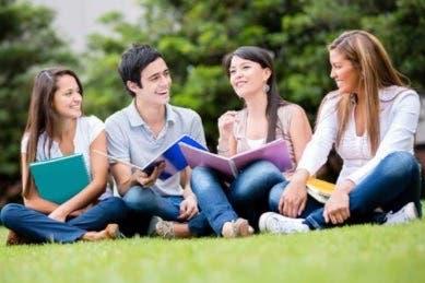 Si anda en busca de financiar sus estudios Desyfin le brinda opciones de crédito
