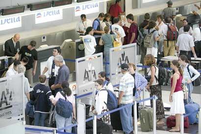 Cierre de Bancrédito atrasa cobro de impuesto en algunas aerolíneas