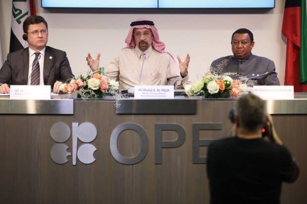 Arabia Saudita endurece su postura sobre precio del petróleo