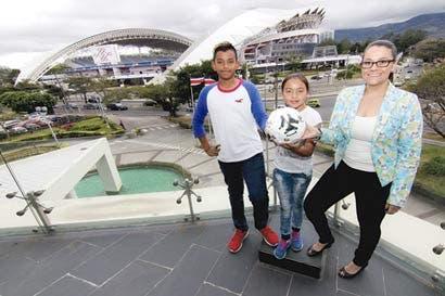 Barcelona ficha a dos niños costarricenses