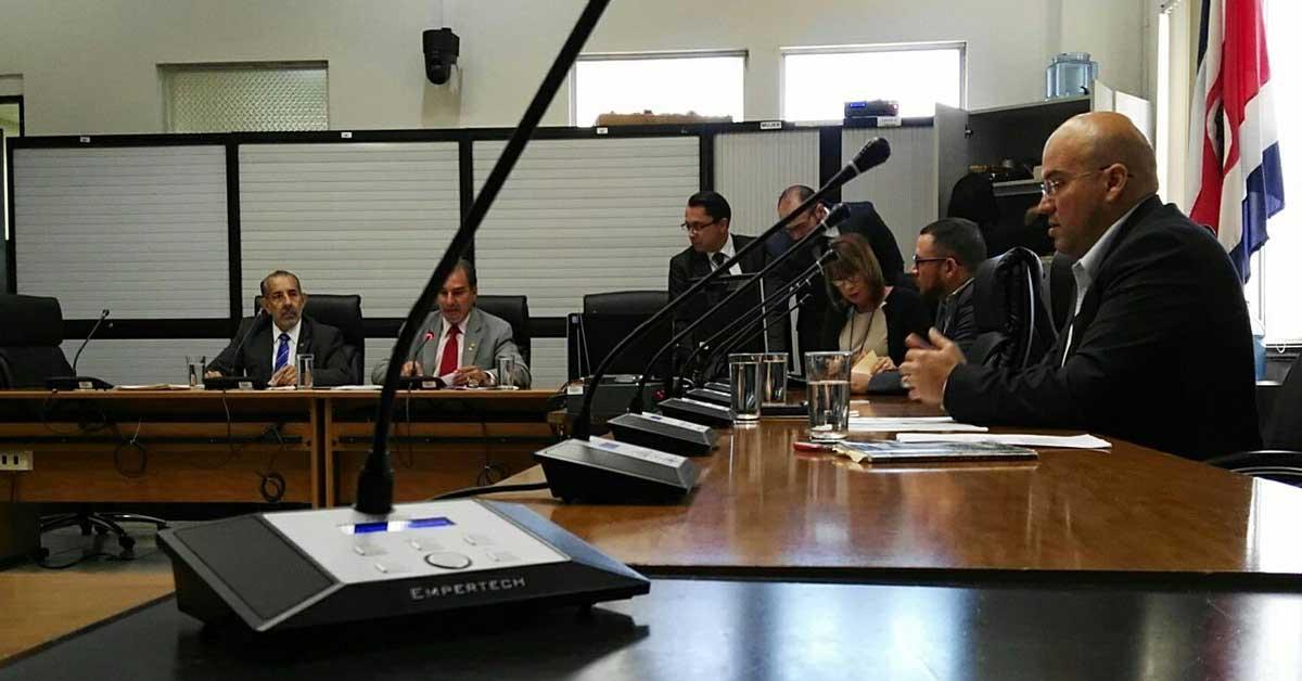 Diputados recomiendan levantar inmunidad a Celso Gamboa