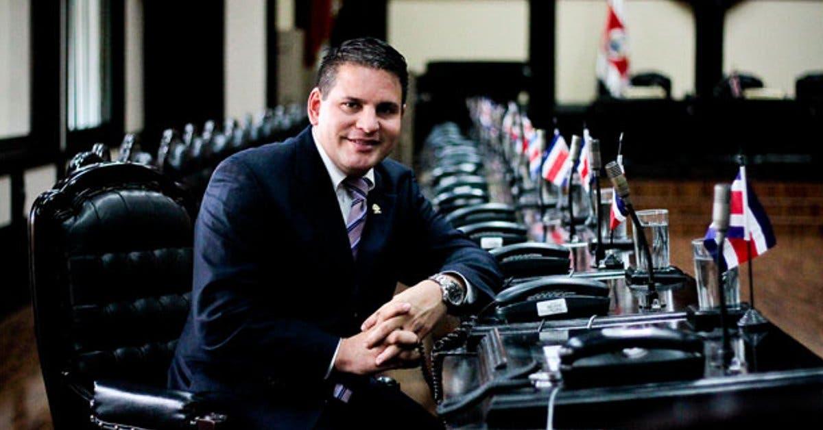 Fabricio Alvarado descarta salirse de la Corte IDH y propone eliminar decreto sobre FIV