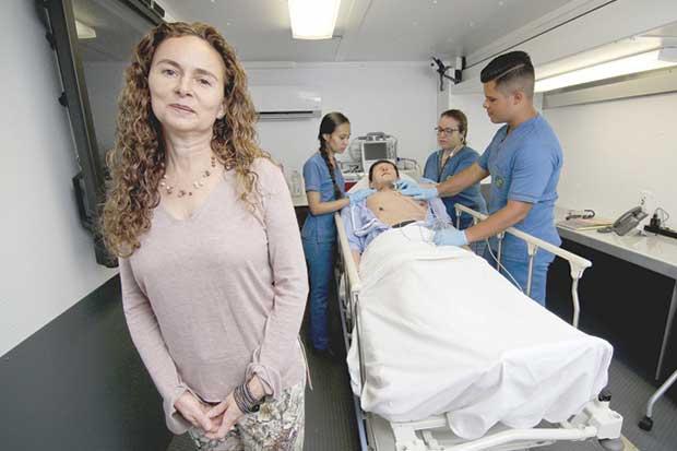 UCR llevará aprendizaje y atención de pacientes sobre ruedas