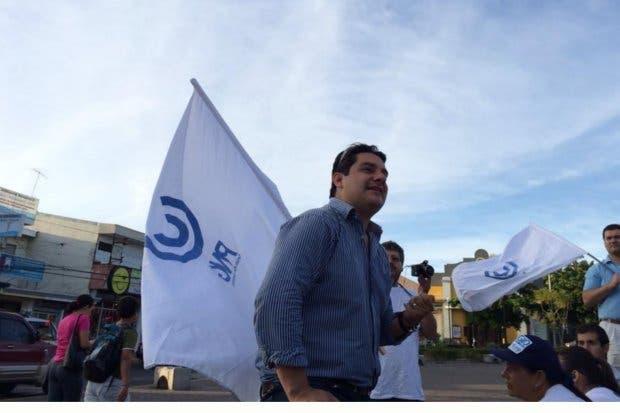Sergio Mena mantiene alianza con Fabricio Alvarado