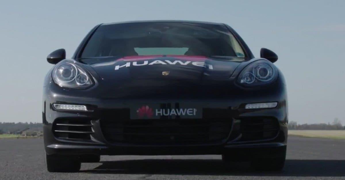 Huawei presenta carro que se puede manejar desde un smartphone