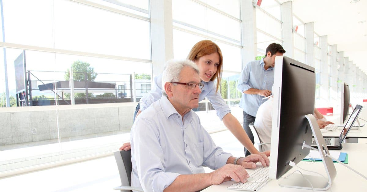 Programa de la CCSS capacitará adultos mayores en el idioma inglés
