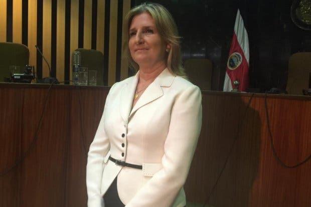 Emilia Navas y cuatro candidatos más aspiran al cargo de Fiscal General