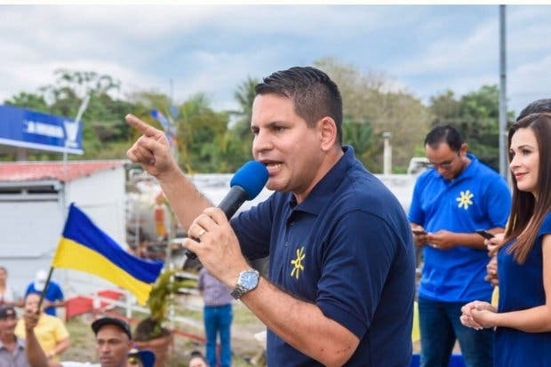 Fabricio 57,3% y Carlos 42,7% entre decididos a votar