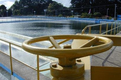 AyA ampliará alcantarillado para reducir contaminación en los ríos