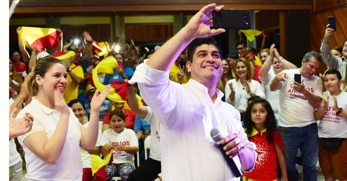 Carlos Alvarado se retracta y ahora sí quiere vía rápida para impuestos