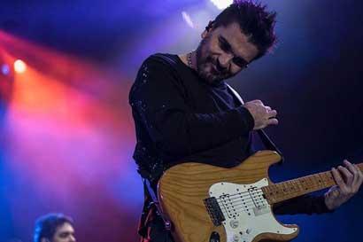 Juanes y Farruko cantarán en el Festival Picnic de este año