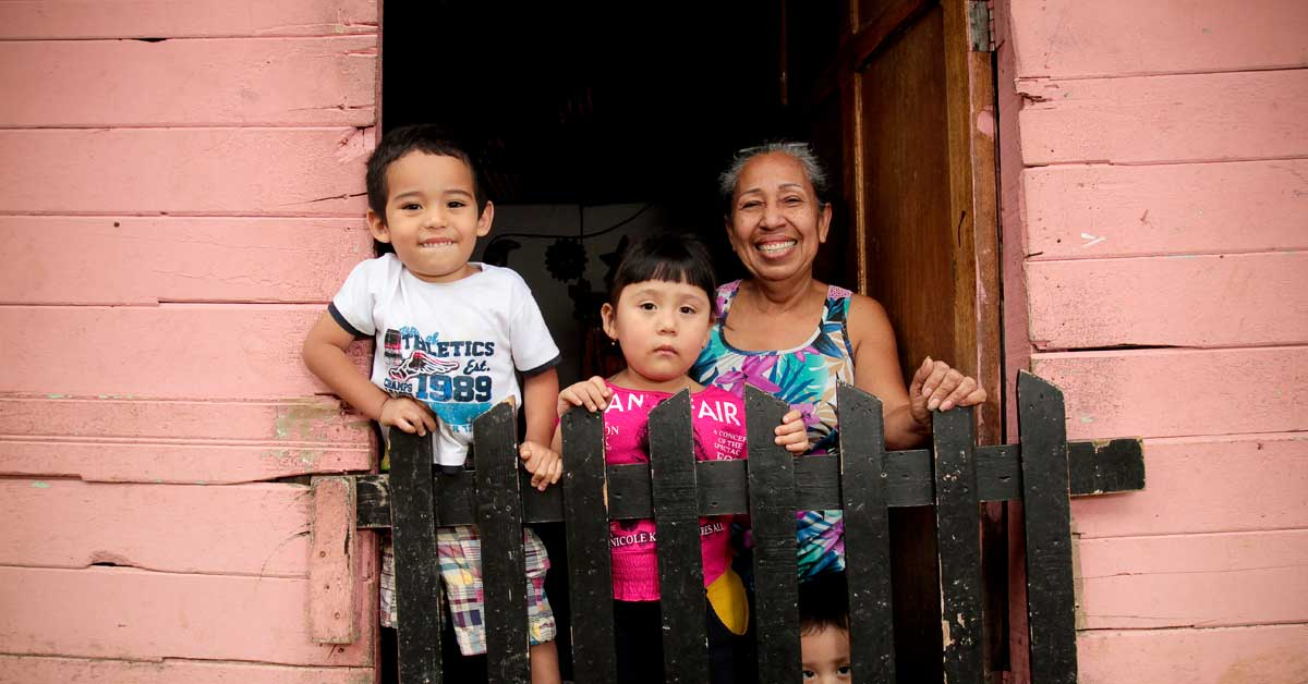 Tres de cada cuatro ticos vive en distritos de desarrollo medio o bajo