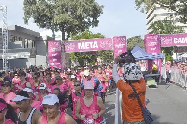 Carrera invita a atletas al camino contra el cáncer de mama