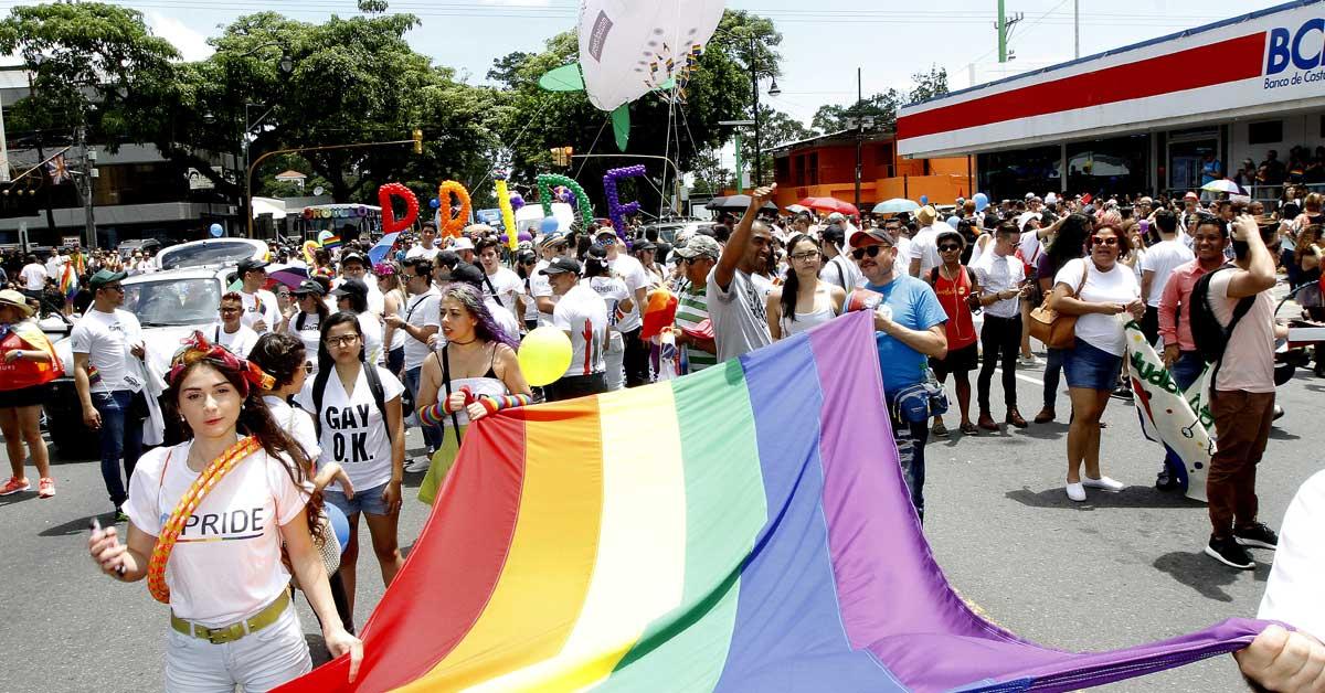 Frente por los Derechos Igualitarios responde a diputados que contradicen a la Corte IDH