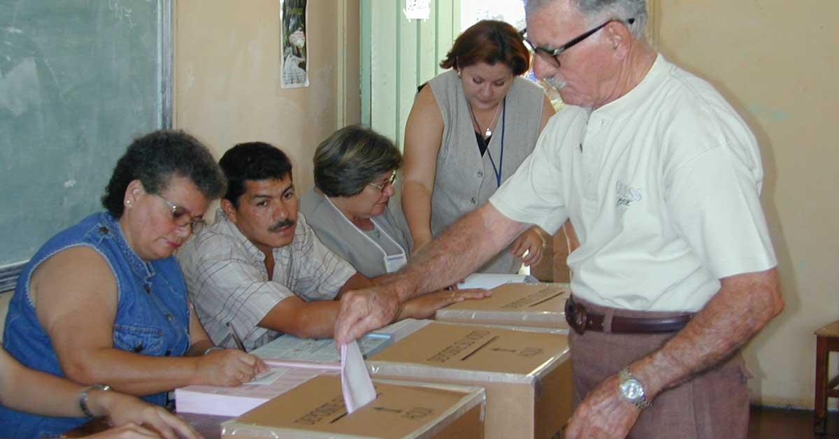 """Elecciones nacionales """"impresionaron"""" a misión de la OEA"""