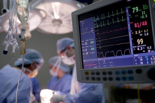 """Hospital del Trauma """"se codea"""" con Europa y Norteamérica tras primer trasplante de menisco"""