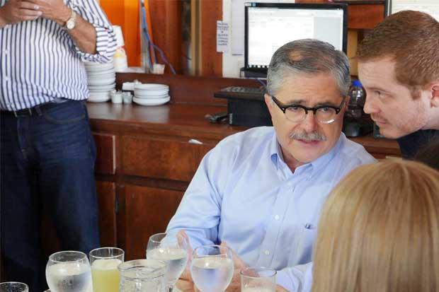 Presidente del PIN asegura que Juan Diego Castro quería adueñarse del partido