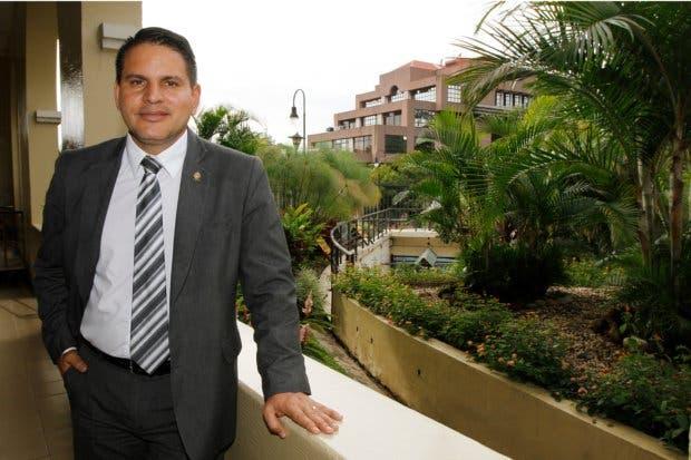 """""""Tenemos mucho en común"""" dice Fabricio Alvarado a miembros del PUSC"""